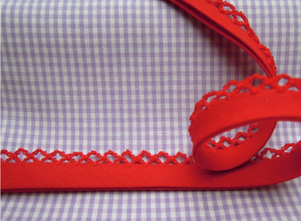 5m Schrägband uni mit Häkelborte rot (46)