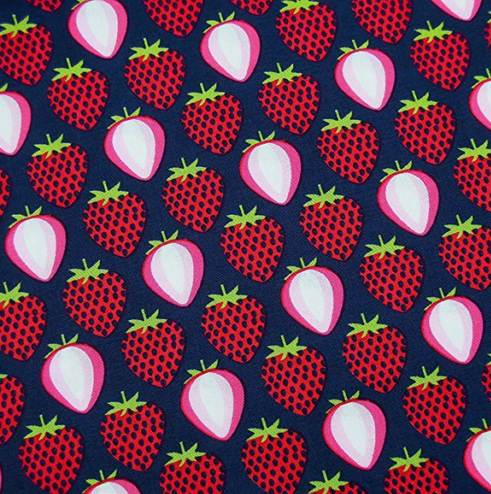 Stoff Erdbeeren dunkelblau 100%Baumwolle