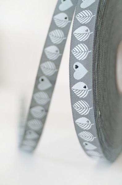 Webband Graziela Blätter-Herzen grau, 15mm breit