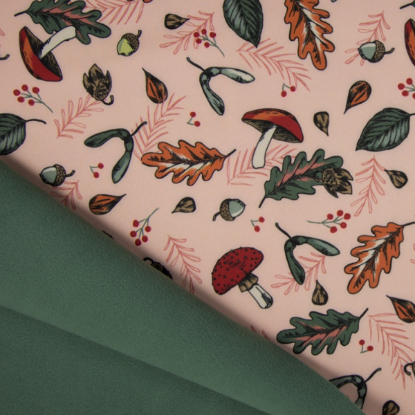 Softshell Fliegenpilze & buntes Laub rosa, Fleece-Rückseite in dunkelgrün